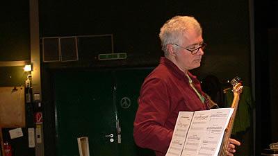 Johannes Frisch (Kontrabass, E-Bass)